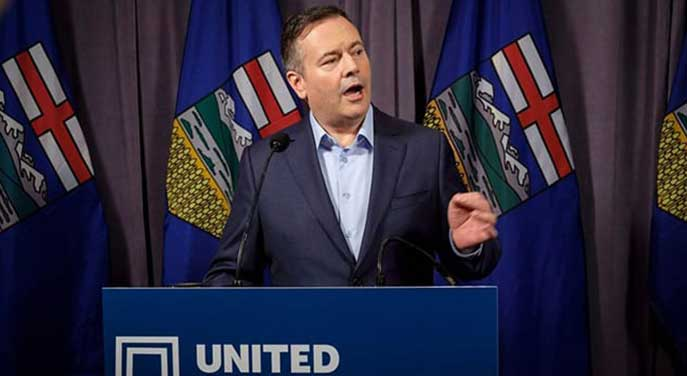 Alberta can reduce income taxes by cutting government labour costs