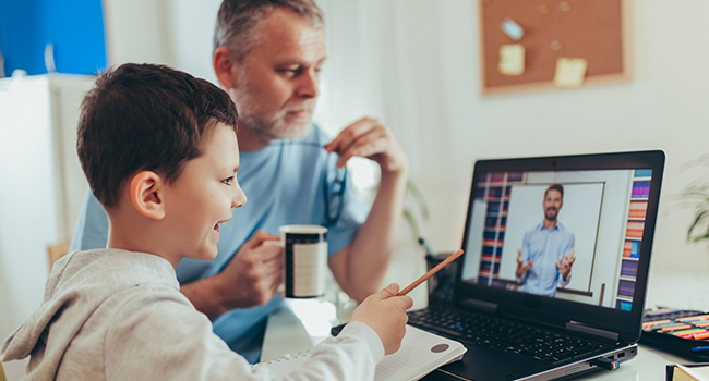 How parents can help their kids succeed at online learning