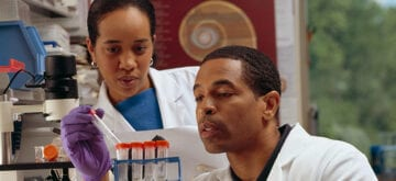Grad mixes science, journalism in quest for versatile skill set